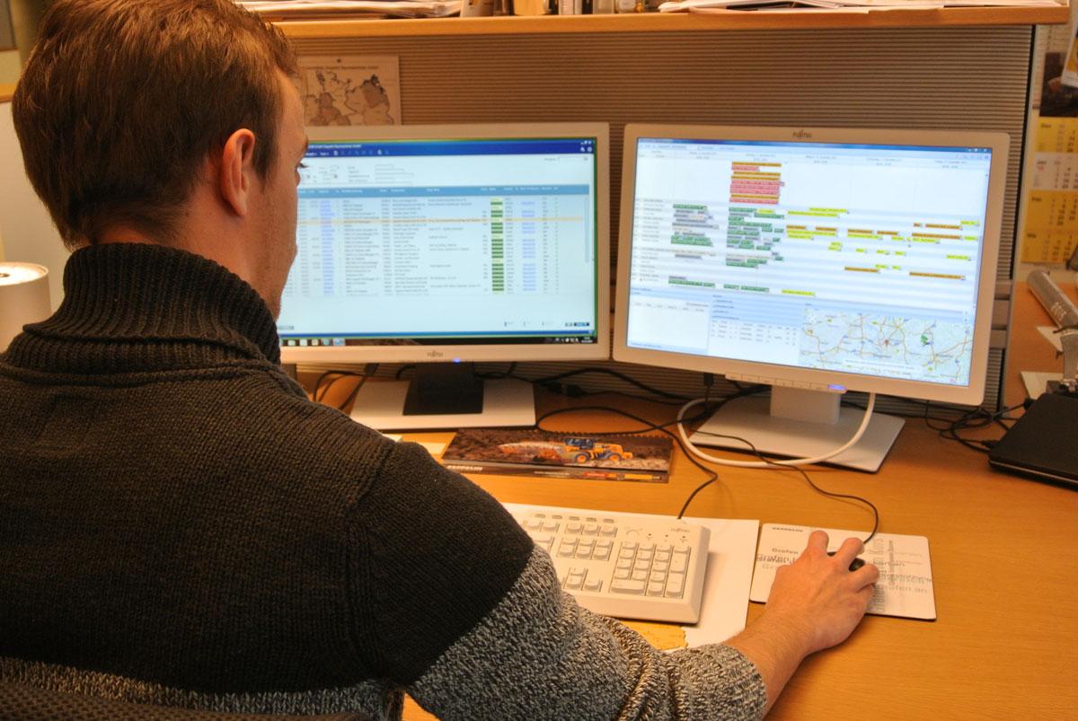 Sobald der Kunde den Disponenten kontaktiert hat, wird ein neuer Prozess in Gang gesetzt, dessen Abwicklung nur wenige Minuten in Anspruch nimmt und eine schnelle Kommunikation gewährleistet.